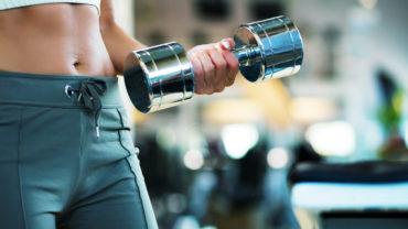 Pesas y entrenamiento de fuerza en mujeres, ¿si o no?